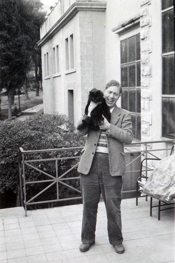 Maurice Pope (1926 – 2019)